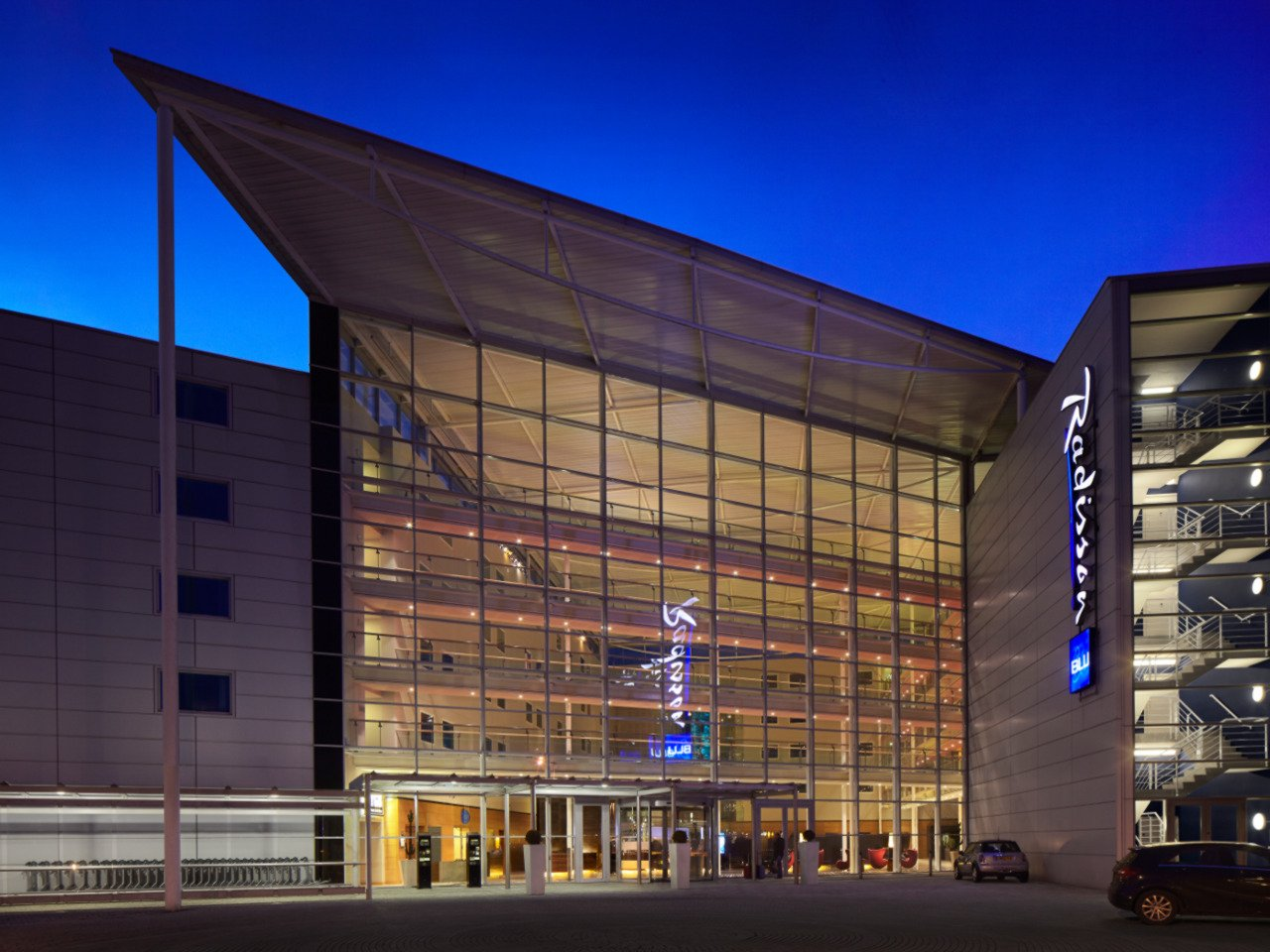 Radisson Hotel |Stansted Airport | Building CHP | Case Studies | The Association for ...